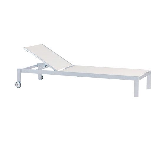 Jazz sun bed by Point by Point
