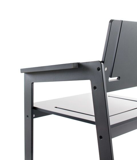 Jig chair by Conmoto by Conmoto