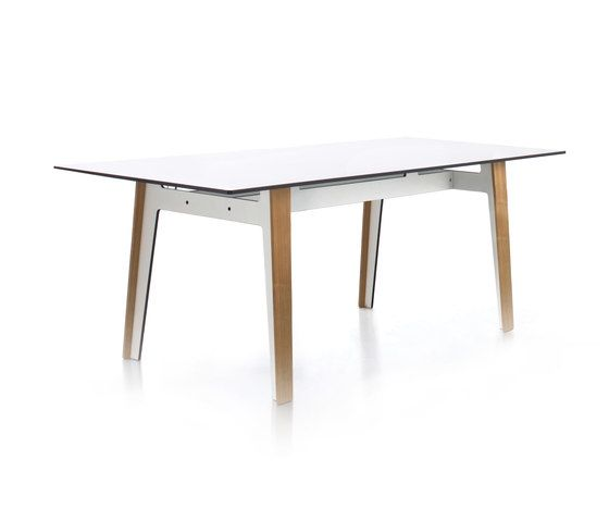 Jig square table by Conmoto by Conmoto
