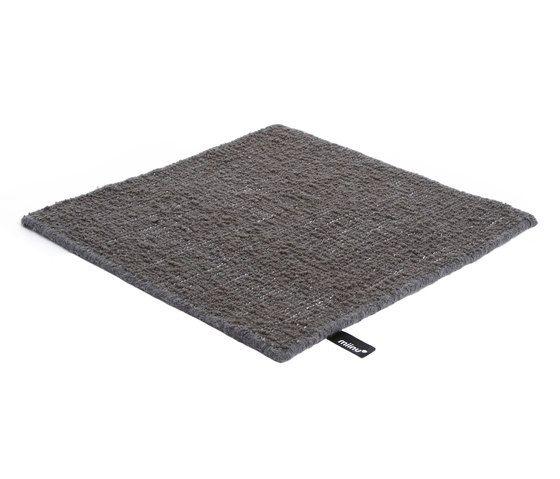Kane asphalt, 200x300cm by Miinu