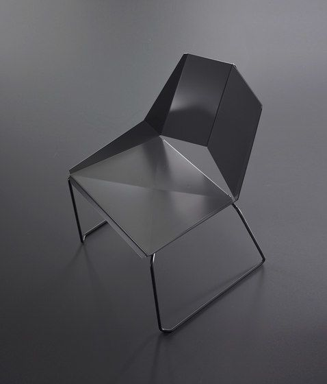 Kite stackable by OXIT design by OXIT design