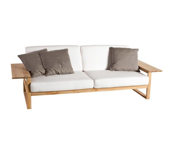 Lineal Sofa 3 by Point by Point