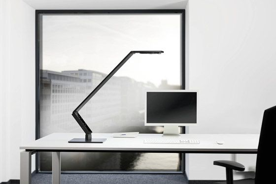 Linear | Table Pro 01 by LUCTRA by LUCTRA