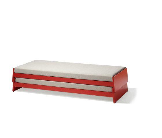 Lönneberga stacking bed by Lampert by Lampert