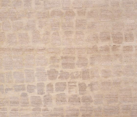 Made by Nature - Cobra beige by REUBER HENNING by REUBER HENNING