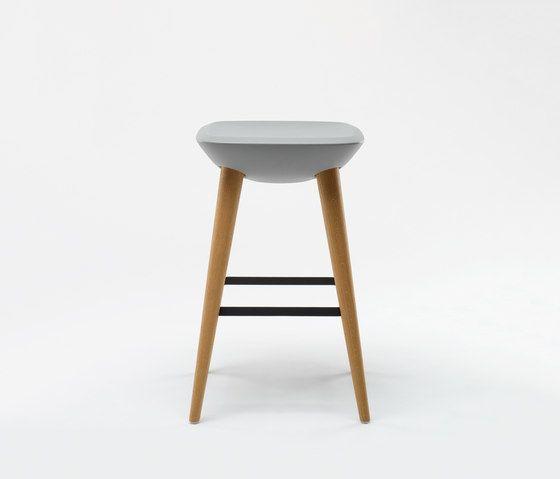 Pebble Barstool by De Vorm by De Vorm