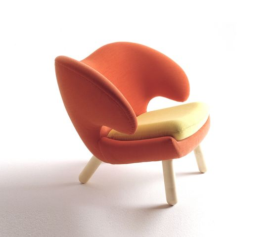 Pelican Armchair by onecollection by onecollection