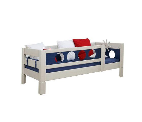 Pirate Low Game Bed DBA-202.7 by De Breuyn by De Breuyn