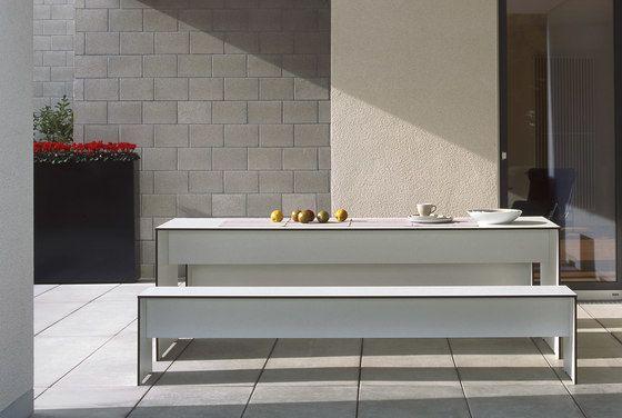 Riva rectangular table by Conmoto by Conmoto