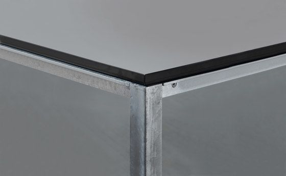 S 600 cpsdesign Table | HPL by Janua / Christian Seisenberger by Janua / Christian Seisenberger