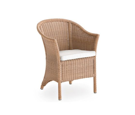 Sagra armchair by Point by Point