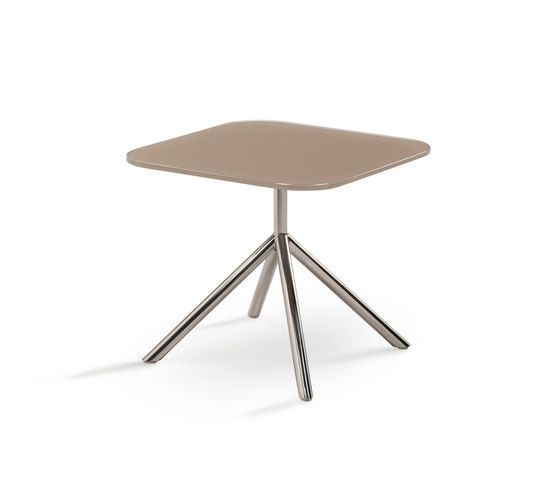 Shell Side Table by FueraDentro by FueraDentro