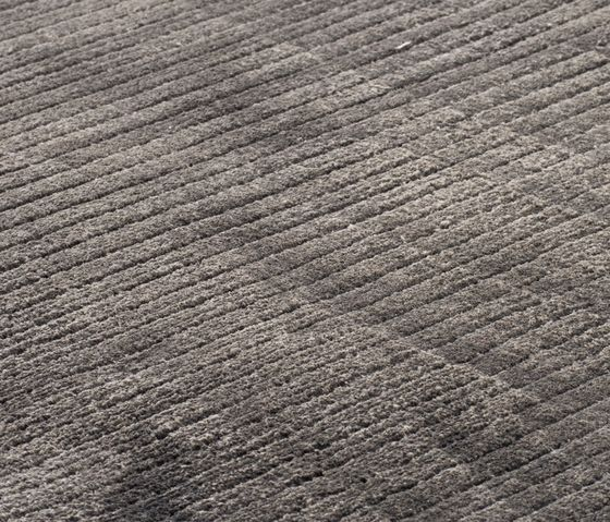 Suite BRLN Polyester anthracite by kymo by kymo