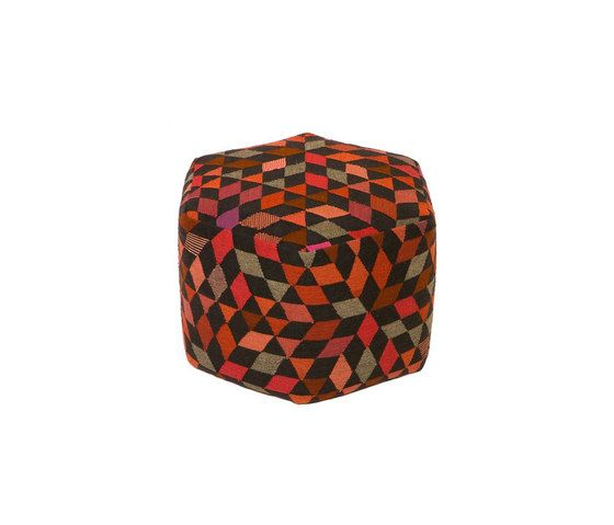 Triangles Pouf Diamond strawberry high by GOLRAN 1898 by GOLRAN 1898