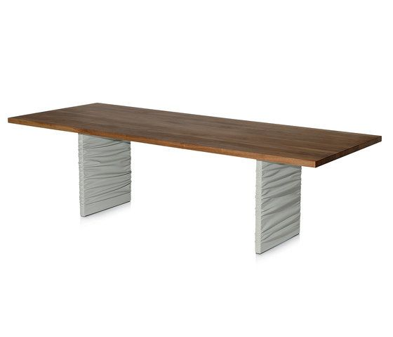 Twist table by Frag by Frag