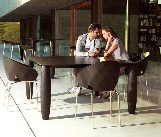 Vases Dining Table -  100 x 100 x 73 cm by Vondom