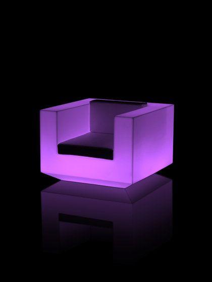 Vela Lounge Chair - 100 x 100 x 72 RGB LED by Vondom