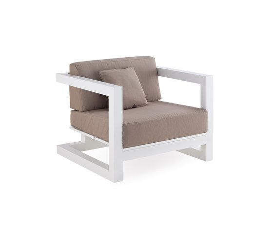 Weekend armchair by Point by Point