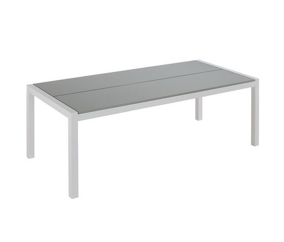 Weekend dining table 220 by Point by Point