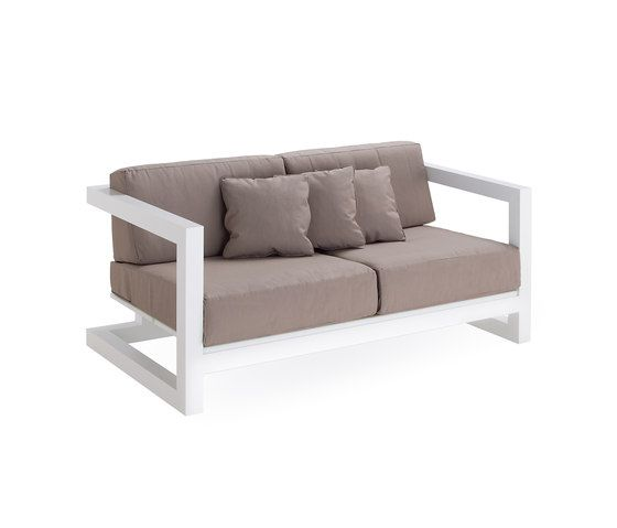 Weekend sofa 2 by Point by Point