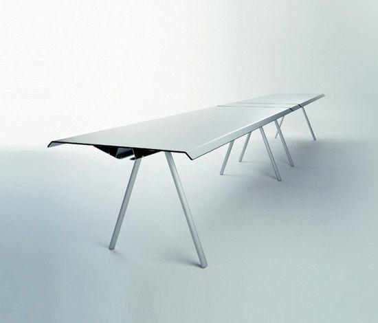 WOGG TIRA Studio Table by WOGG by WOGG