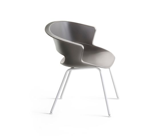 Zed 4 legs stackable in polypropylene by Maxdesign by Maxdesign