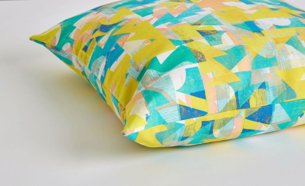 Grapefruit Coast cushion detail