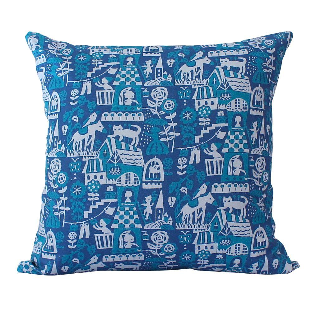 Higgledy Cushion by Winter's Moon