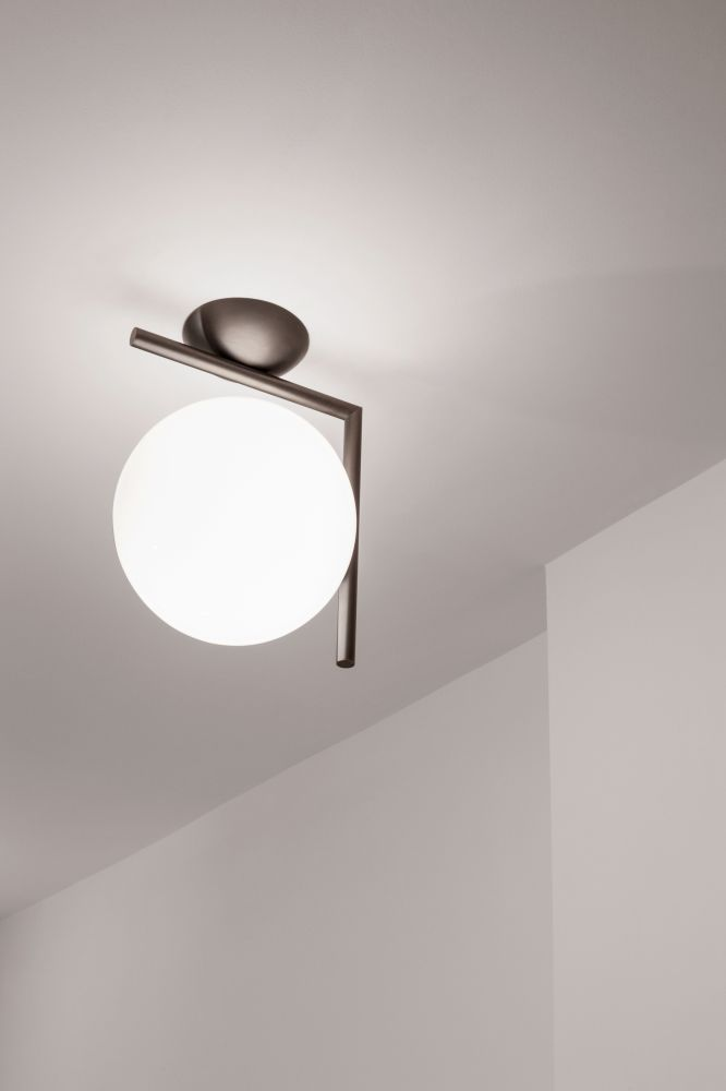 Ic wall light