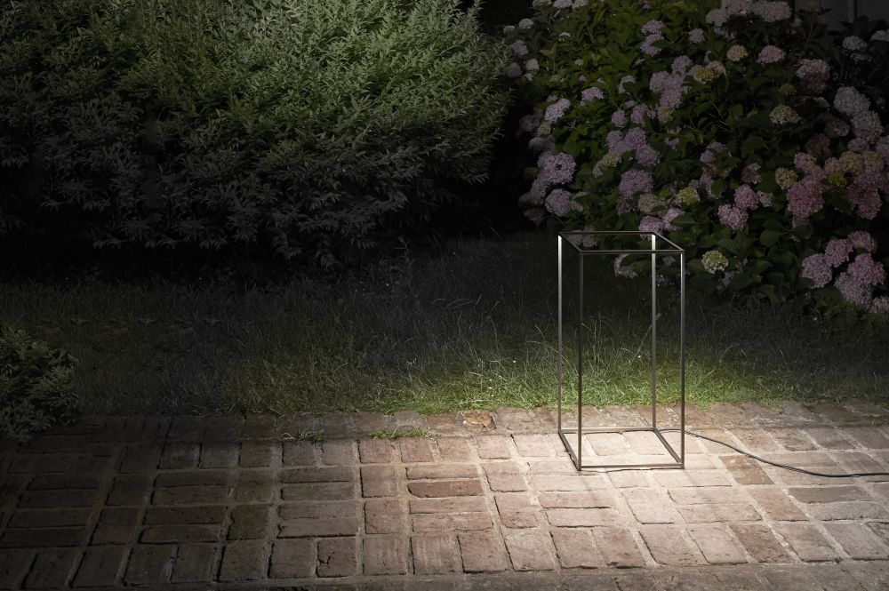 Ipnos outdoor floor lamp natural aluminium by flos view more images workwithnaturefo