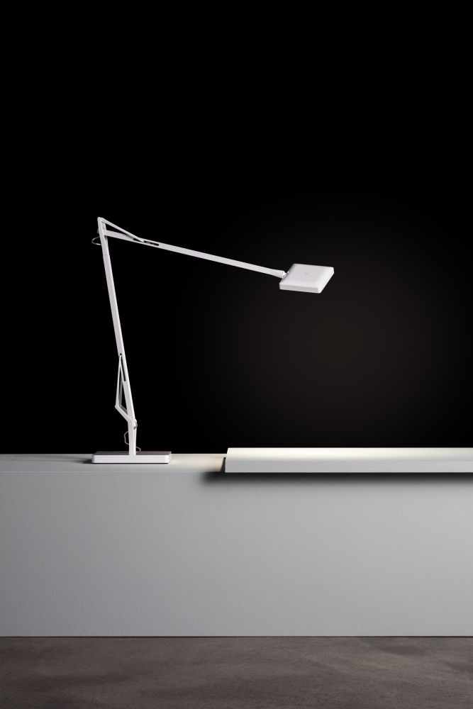 The iconic task lamp kelvin led has been updated to offer a new compact version while delivering the same amount of light thanks to the new edge lit led