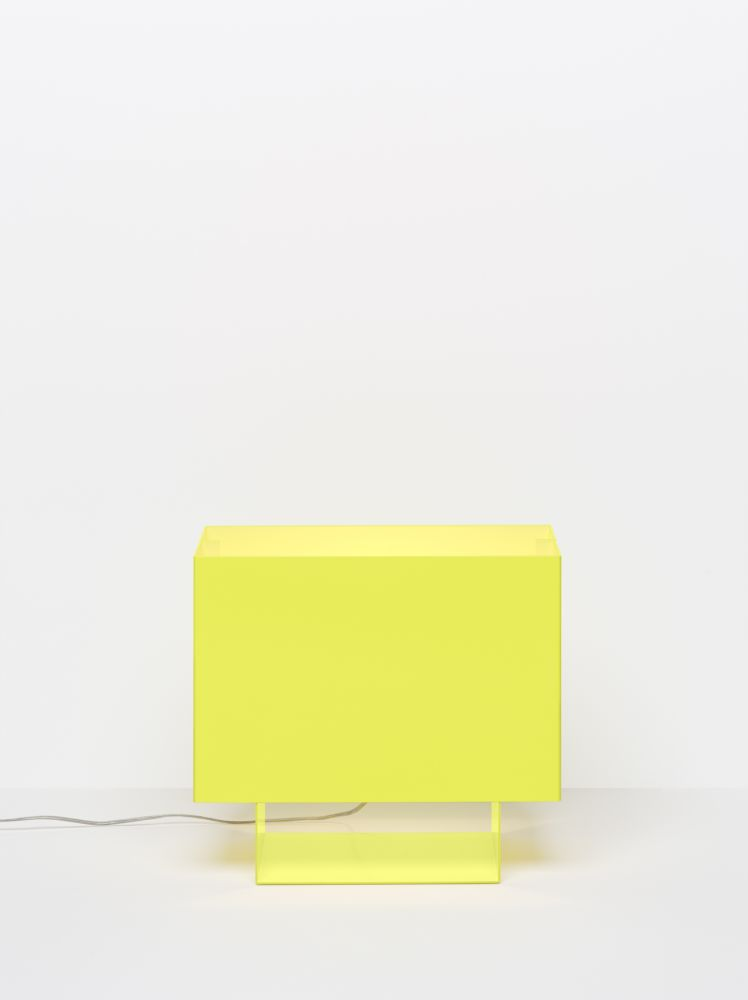 LT01 Seam One Table Lamp by e15