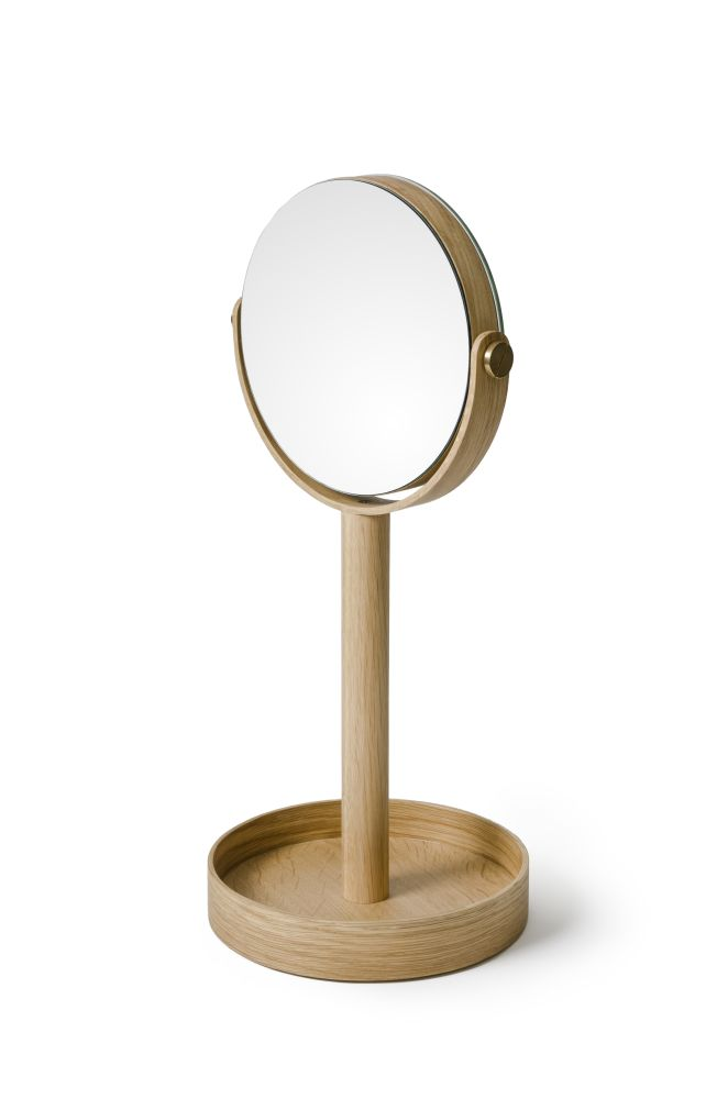 Magnifying mirror close-up by Wireworks