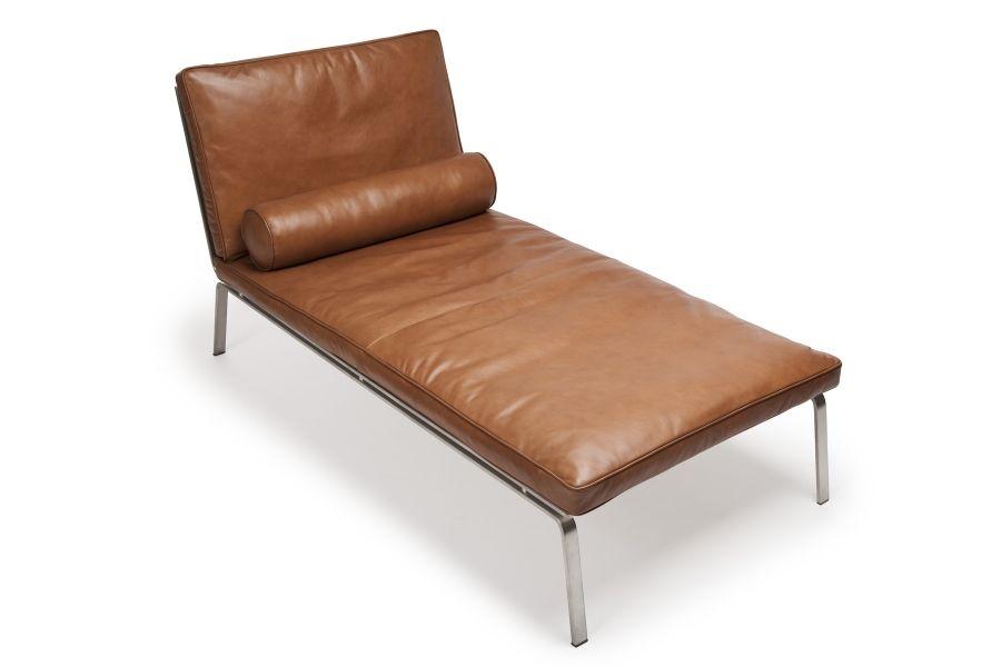 man chaise longue cognac brown premium leather by norr11. Black Bedroom Furniture Sets. Home Design Ideas