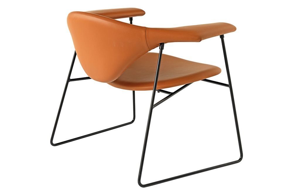 Masculo Lounge Chair with Sledge Base by Gubi