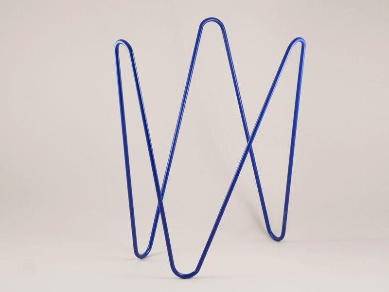 MW magazine rack dark blue