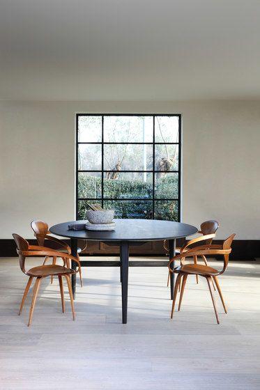 oak blackstone ellipse dining table black by ethnicraft