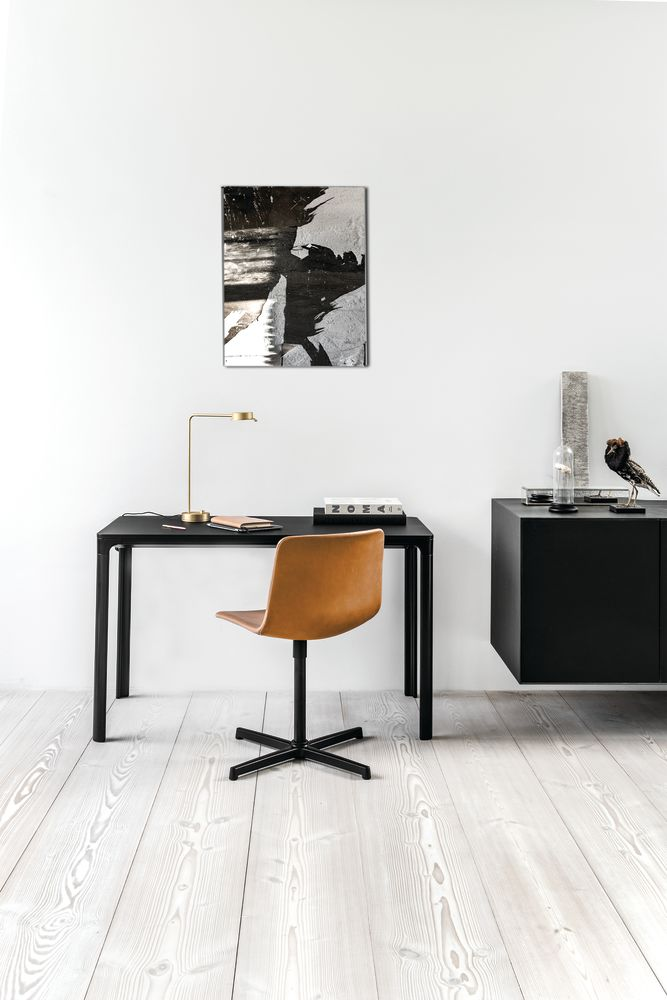 Pato Swivel Chair by Fredericia