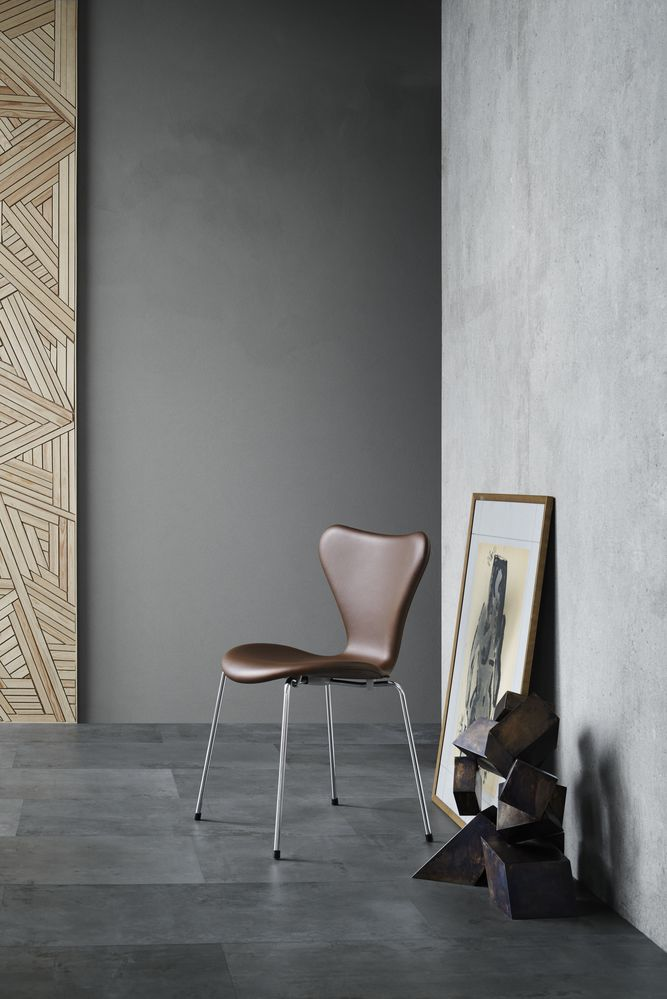 Series 7 Chair Fully Upholstered Fame 60005 By Republic Of Fritz