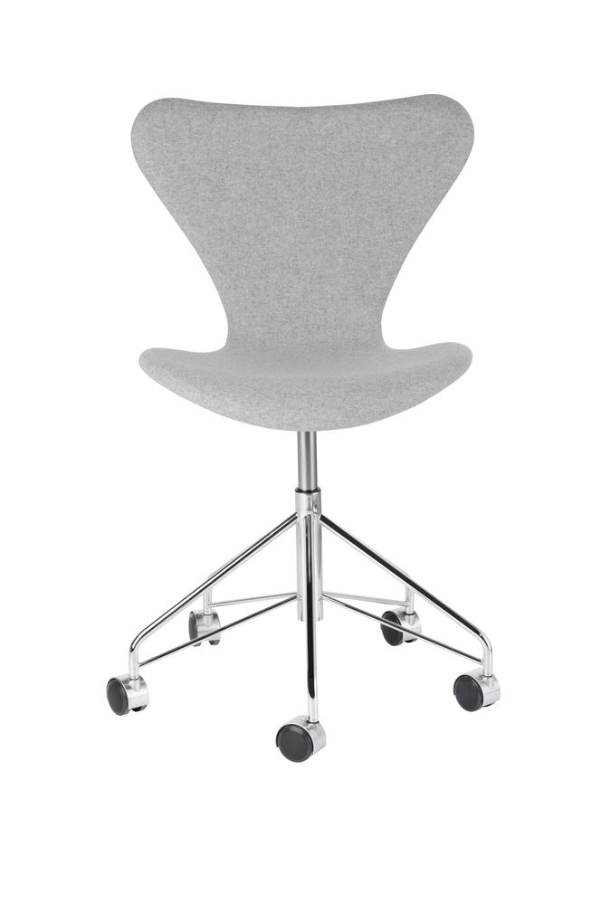 series 7 swivel chair fully upholstered by republic of fritz hansen