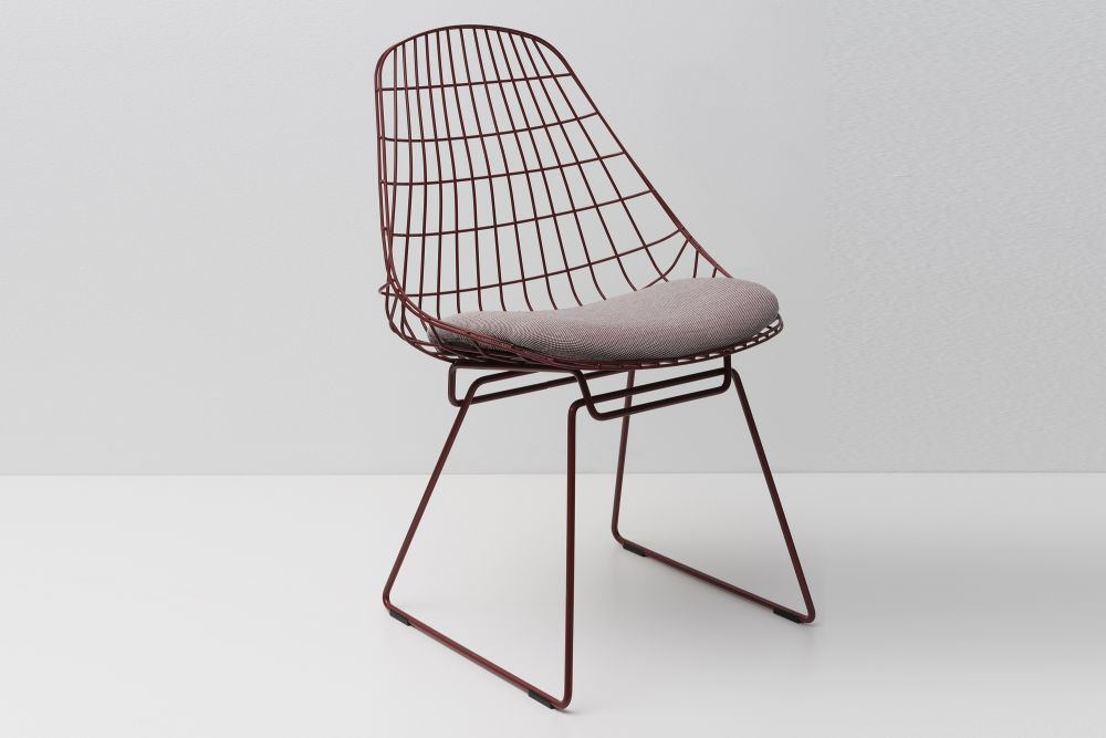 SM05 Dining Chair with Cushion, Ox Red Frame by Pastoe