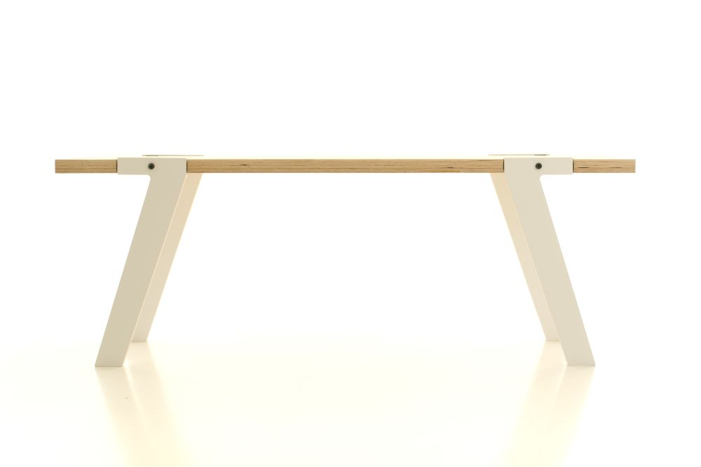 rform Switch Bench 05 - Snow White