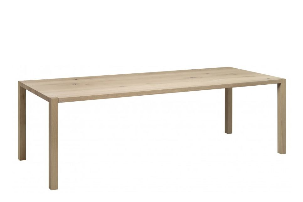 TA19 Sloane Rectangular Dining Table by e15
