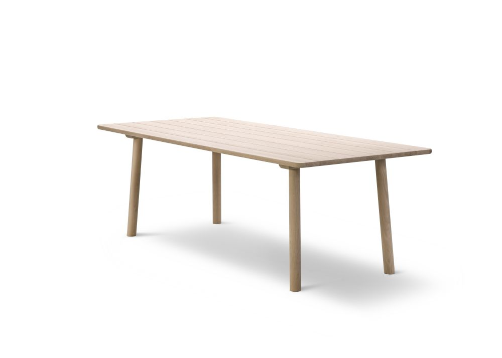 Taro Dining Table by Fredericia