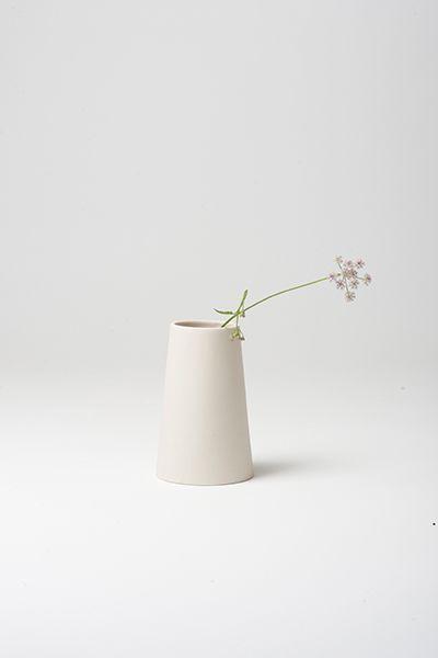 Vase Klein  by Golden Biscotti