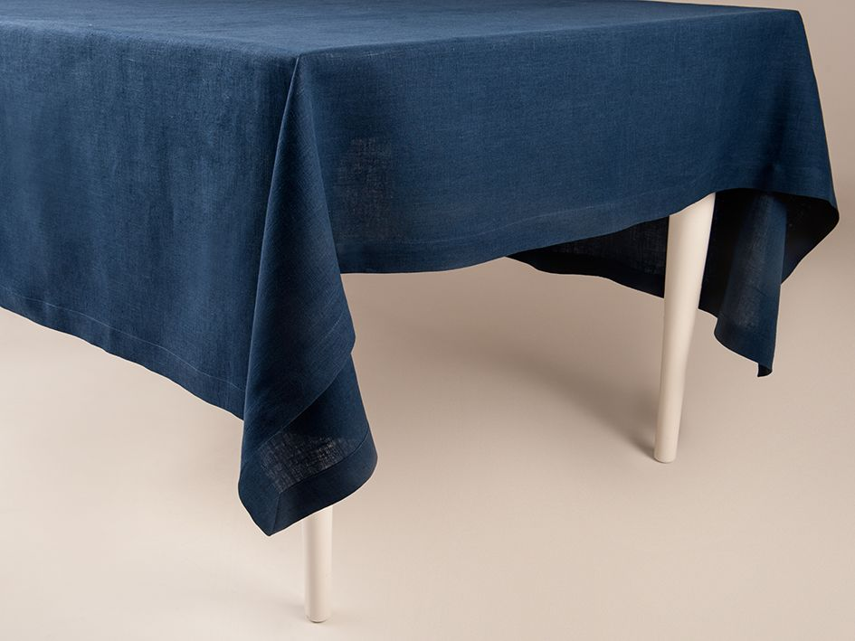 Indigo linen tablecloth by Lovely Home Idea
