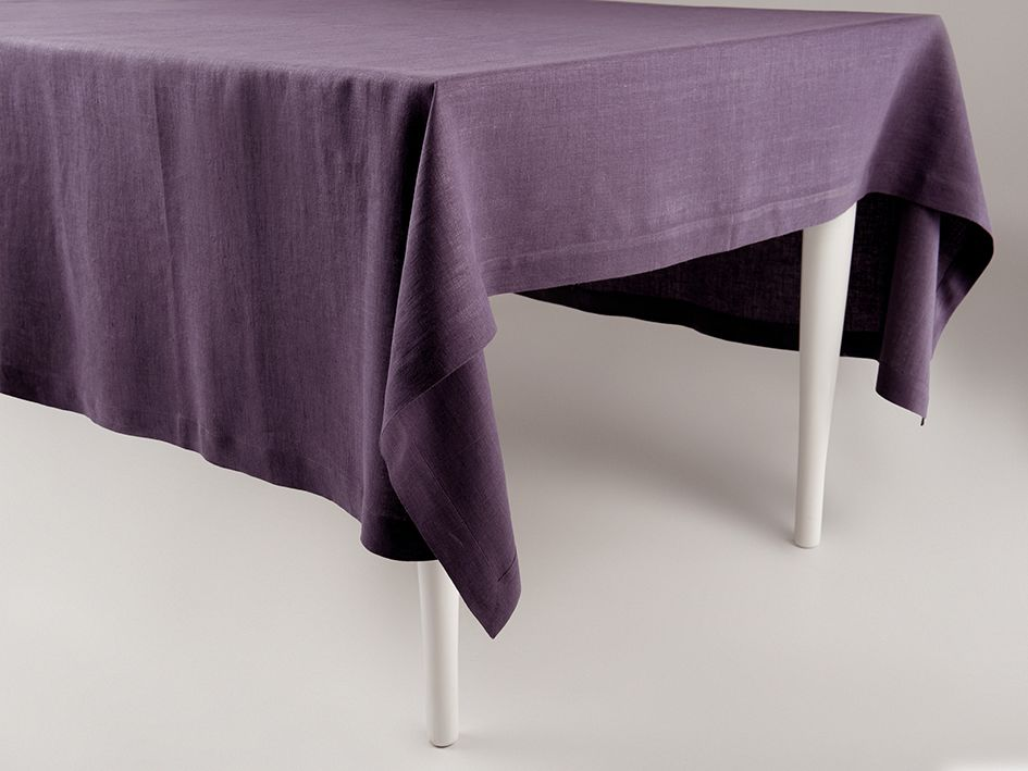 Violet linen tablecloth by Lovely Home Idea
