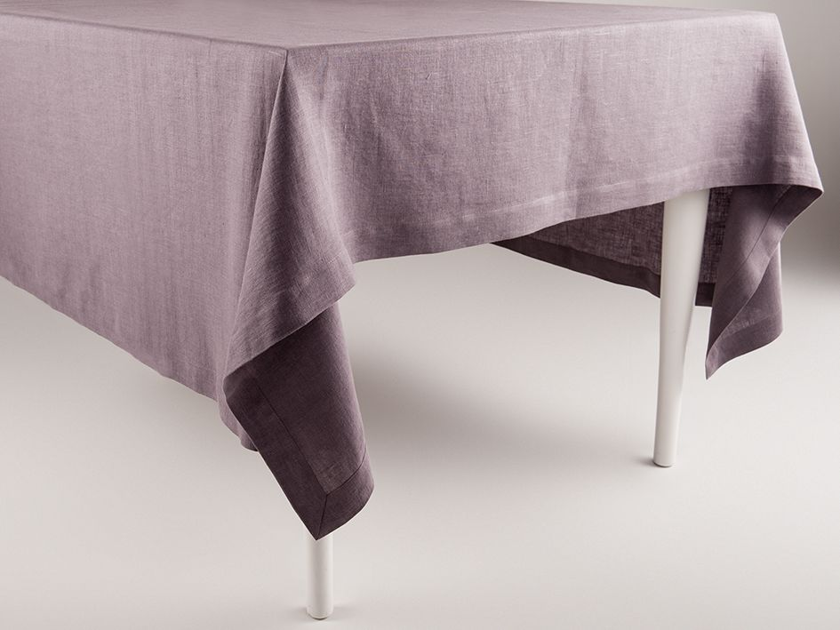 Light purple linen tablecloth by Lovely Home Idea