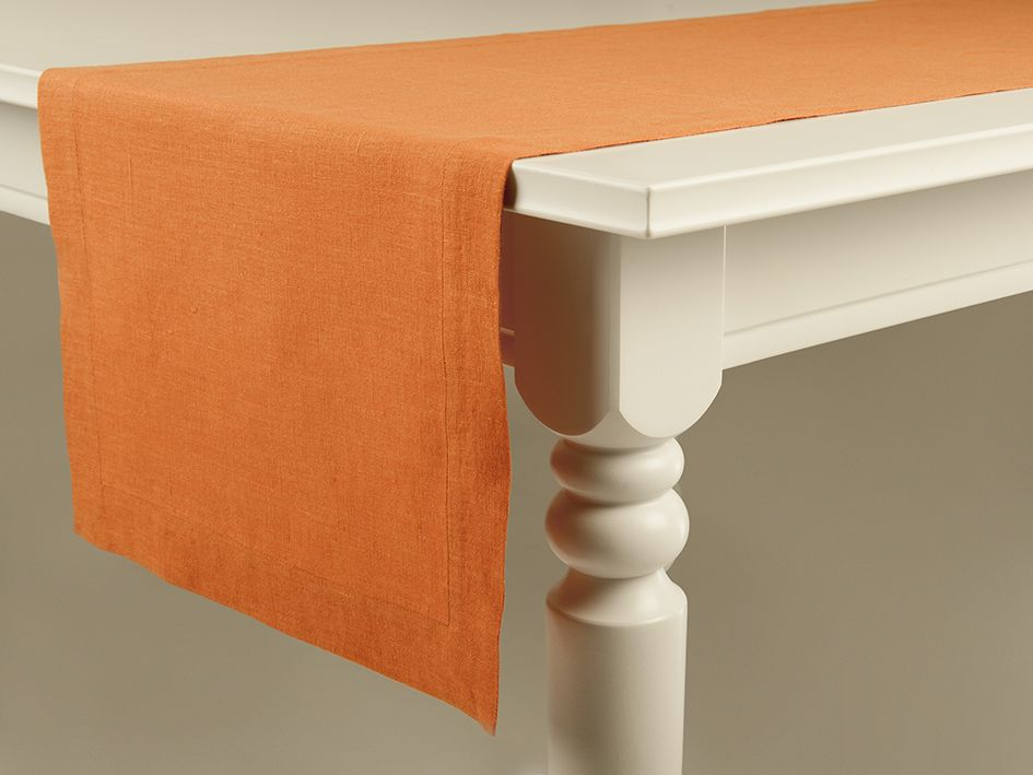 Rust linen table runner by Lovely Home Idea