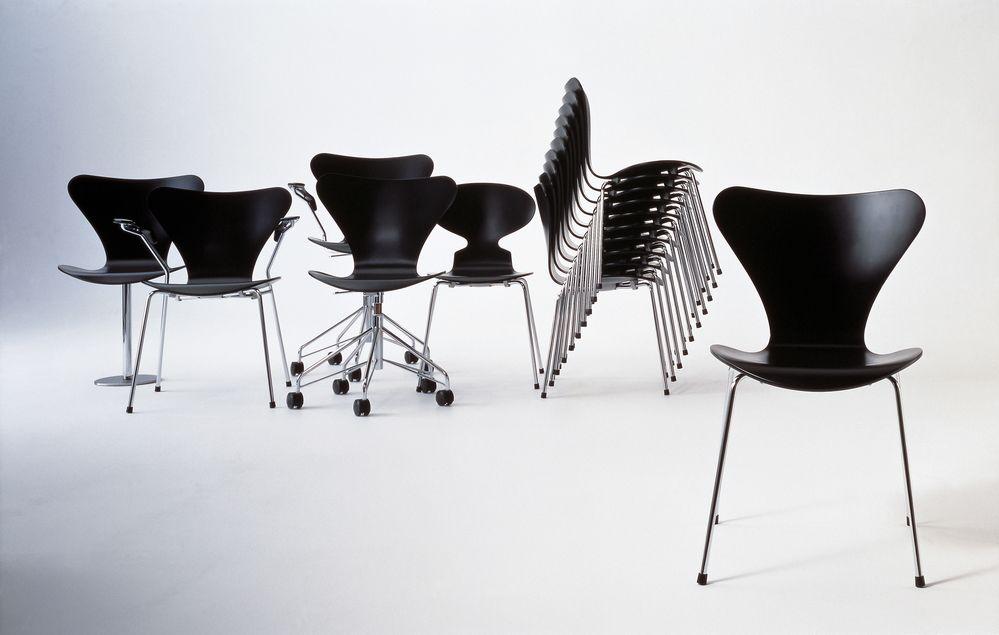 Series 7 Armchair by Republic of Fritz Hansen